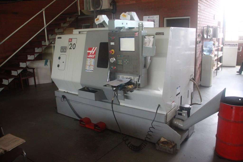 Used machine consignment - Haas SL-20 Toolroom Slant Bed CNC Turning on